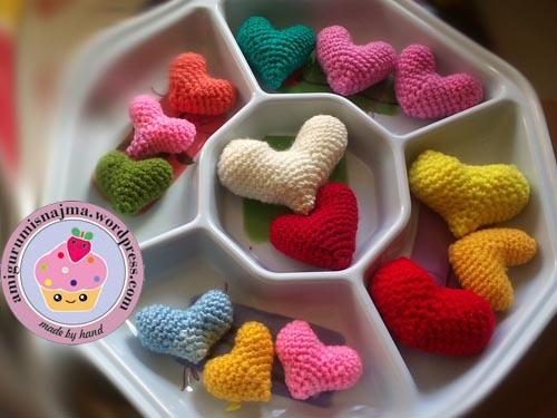 corazones amigurumis crochet