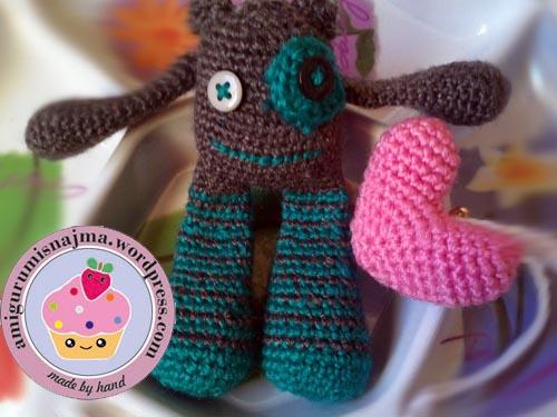 monstruito crochet amigurumi