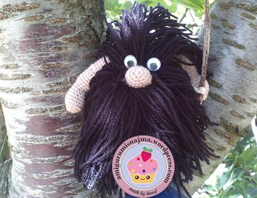 caveman_crochet_doll-01