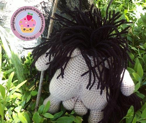 caveman_crochet_doll-03
