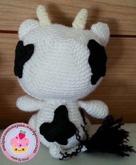 hello kitty crochet cow