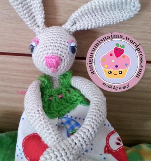 bunny_crochet_doll-03