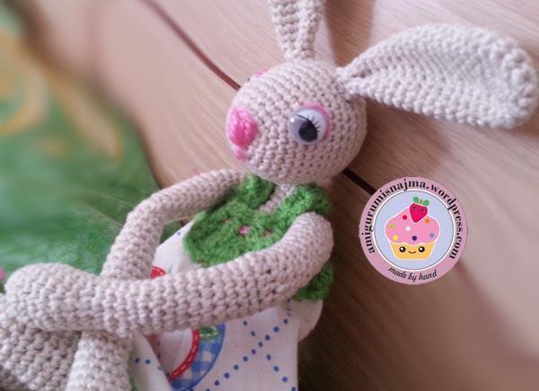 bunny_crochet_doll-04