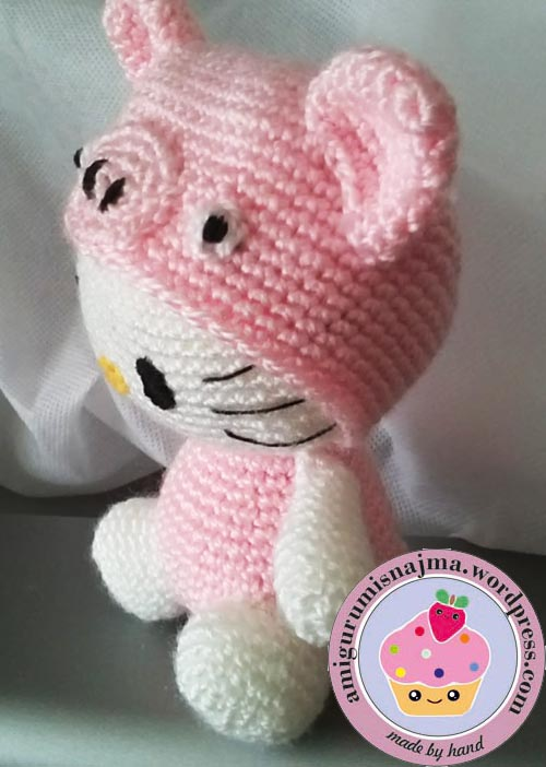hello kitty crochet pig