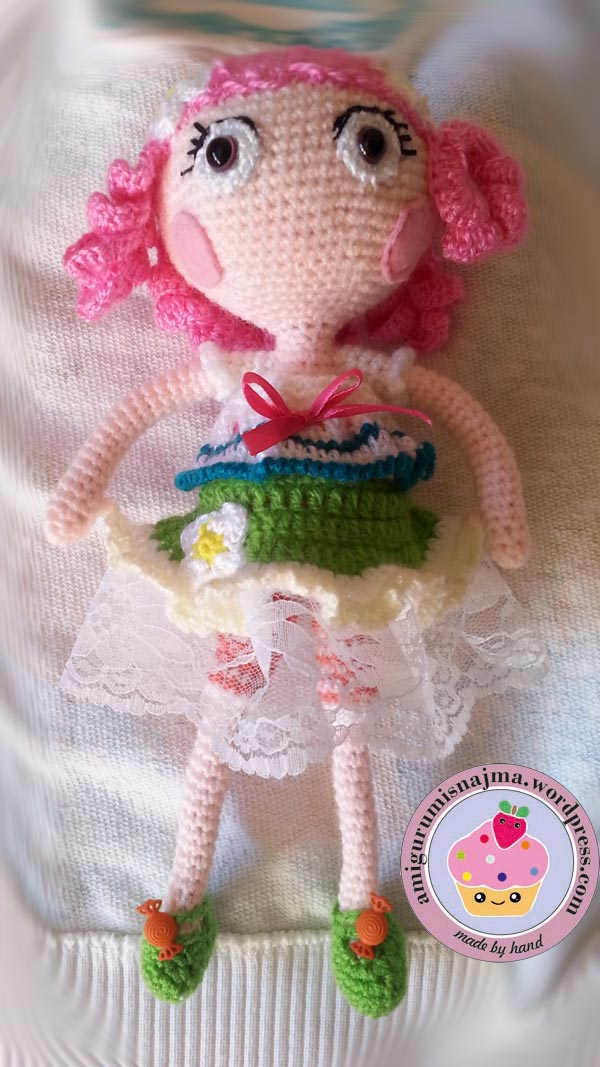 Lalita, amigurumi crochet doll
