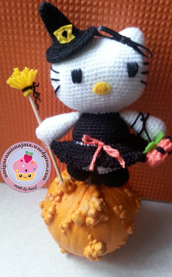 hello kitty witch amigurumi toy ganchillo-03