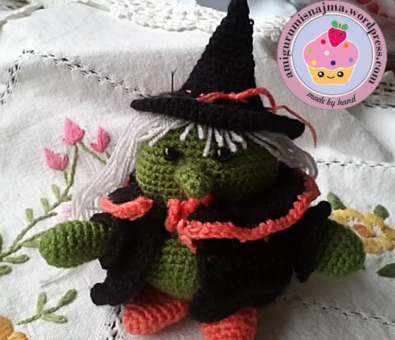 fat witch amigurumi doll crochet