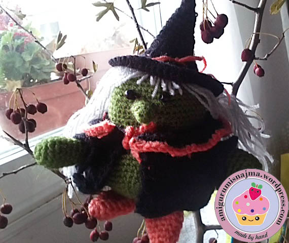 fat witch  crochet doll amigurumi