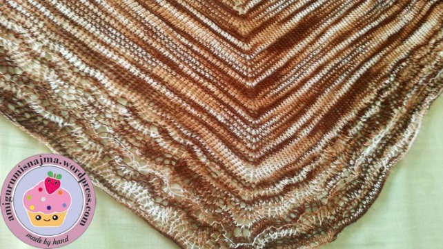 ishbel shawl knitted shawlette