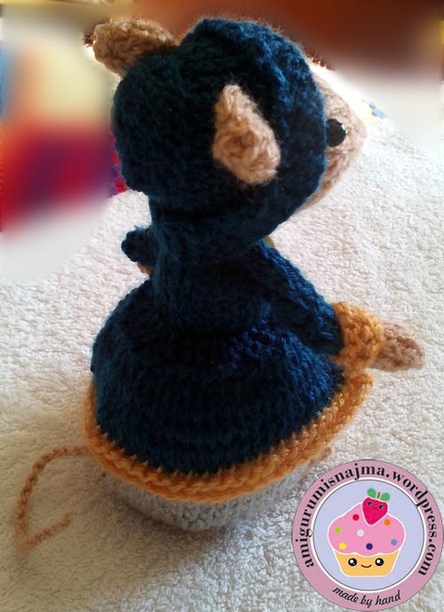dickensian mouse  knitted toy doll najma-08