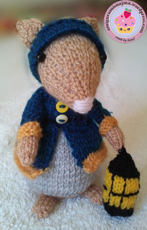 dickensian mouse  knitted toy doll najma-09
