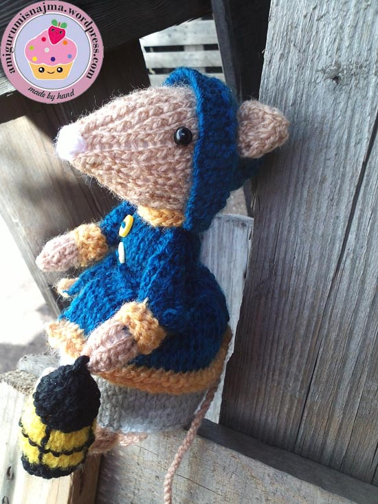 dickensian mouse  knitted toy doll najma-19