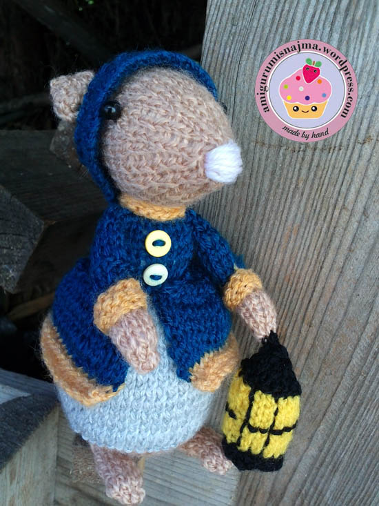 dickensian mouse  knitted toy doll najma-21