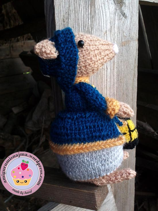 dickensian mouse  knitted toy doll najma-23