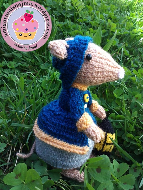 dickensian mouse  knitted toy doll najma-27