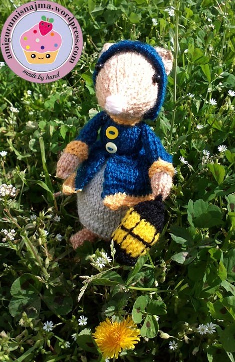 dickensian mouse  knitted toy doll najma-28