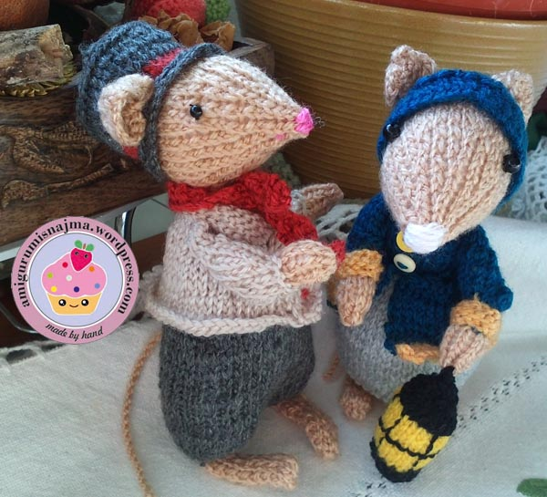 dickensian mouse  knitted toy doll najma-29