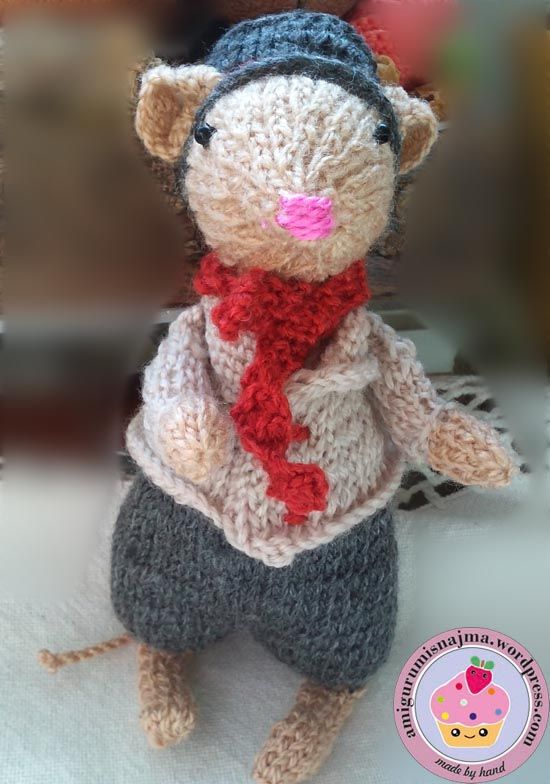dickensian mouse  knitted toy doll najma-30