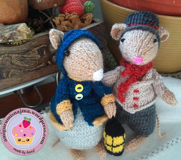 dickensian mouse  knitted toy doll najma-34