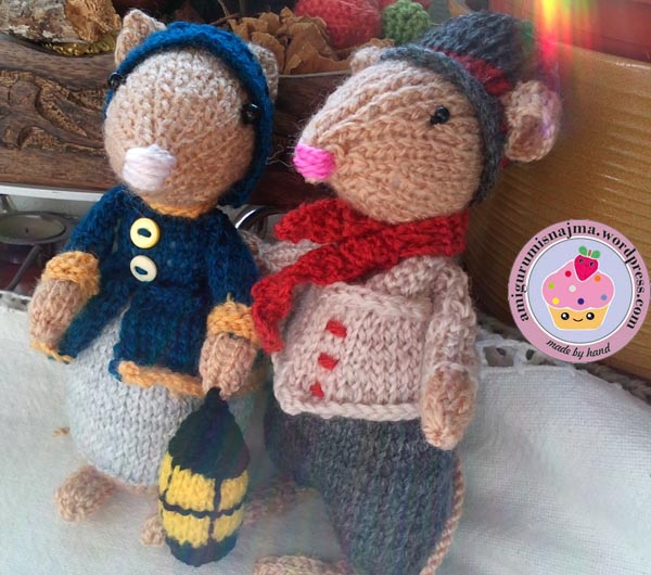 dickensian mouse  knitted toy doll najma-35