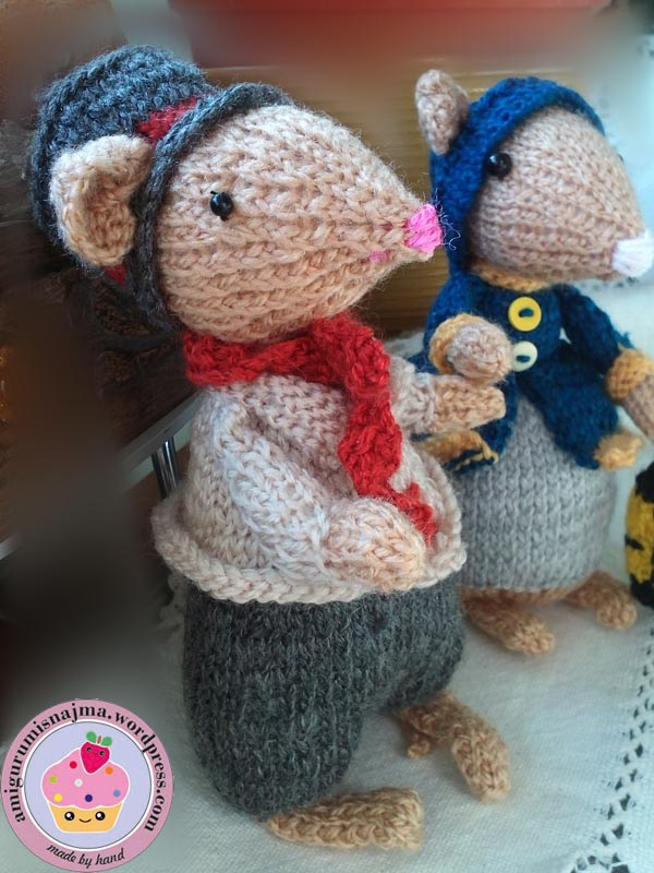 dickensian mouse  knitted toy doll najma-37