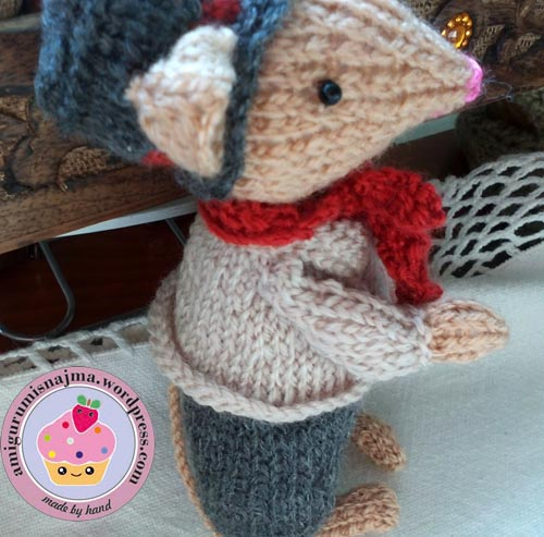 dickensian mouse  knitted toy doll najma-39