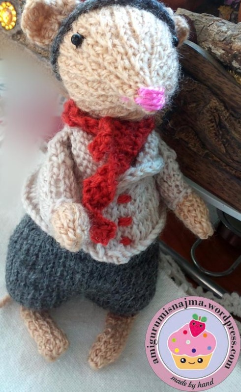 dickensian mouse  knitted toy doll najma-40