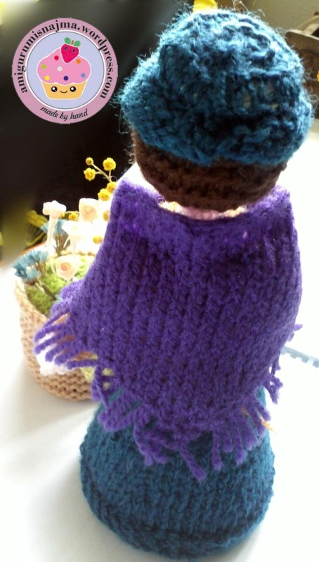 flower seller doll knitted toy najma06