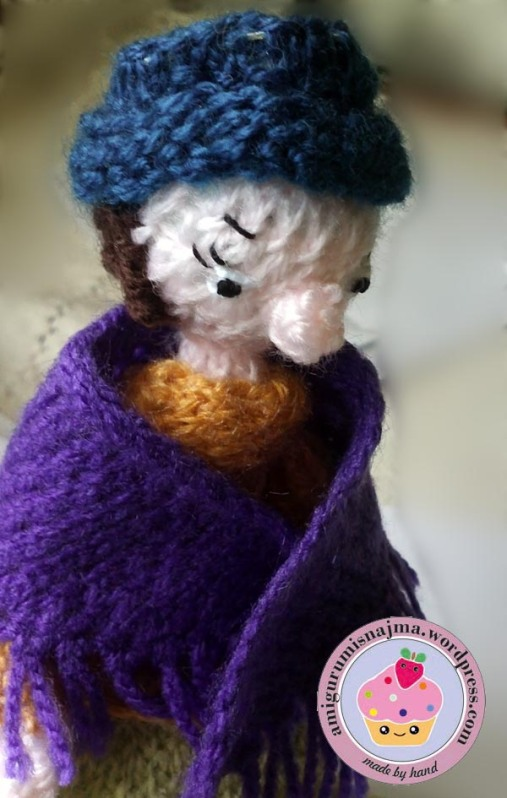 flower seller doll knitted toy najma07