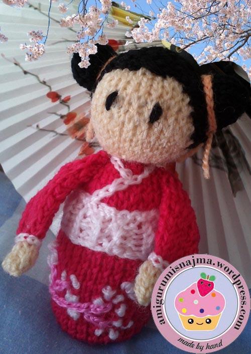 haruko geisha kokeshi  knitted doll najma-01