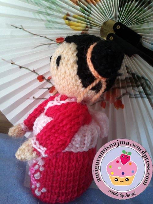 haruko geisha kokeshi  knitted doll najma-03