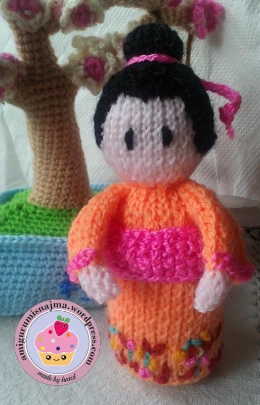 knitted geisha kokeshi doll amigurumi najma-02