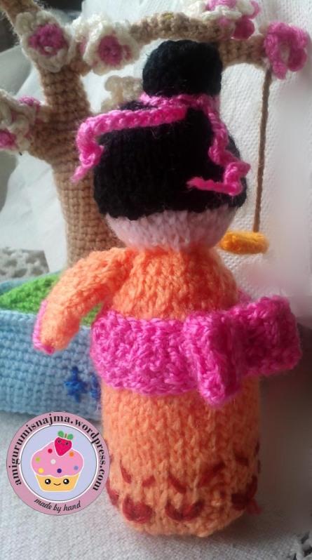 knitted geisha kokeshi doll amigurumi najma-04