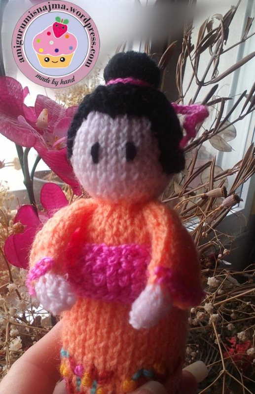 knitted geisha kokeshi doll amigurumi najma-07