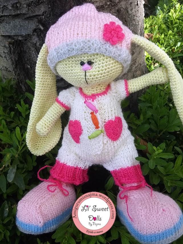 conejito tejido knitted rabbit